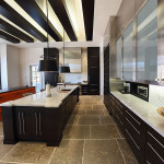 Complete kitchen with unique finishes